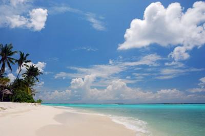 maldives sunny day